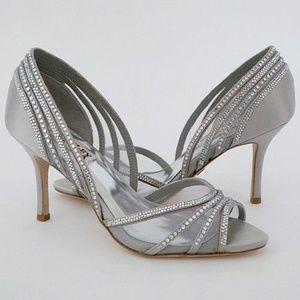 "Badgley Mischka Glynn Silver 8M 3"" heel"